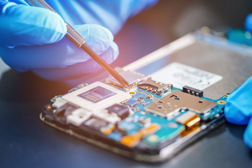 Quels sont les services offerts par un réparateur professionnel d'iphone?